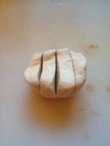 Pizza-Brötchen-geschnitten